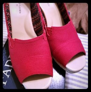 Womens size 11 red wedges